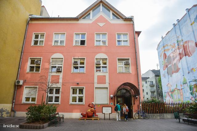 A Tűzoltó utcai gyermekklinika épülete