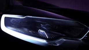 Rejtélyes Renault a sötétből