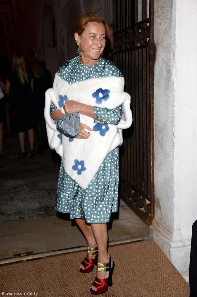 Miuccia Prada, az olasz divatcég feje. Nem biztos, hogy az ítélethozatal után is ilyen őszinte volt a mosolya.