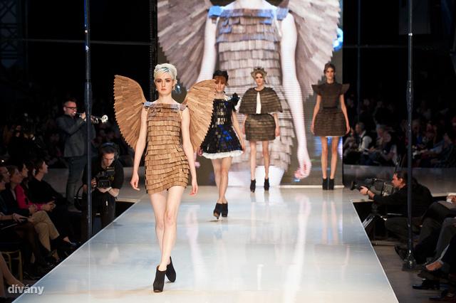 Gombold újra 2012: Farkas Anett zsindelyes ruhái