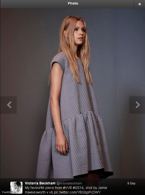 Tényleg ez Beckhamné kedvenc ruhája, Twitterre is posztolta.