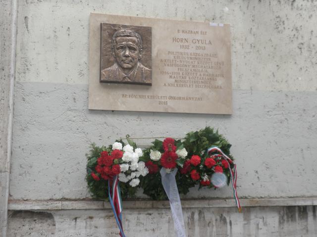 Horn Gyula emléktábla 036