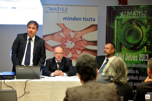 Gál Pál, a PQS International Hungary Kft. vezérigazgatója, Paár Zoltán, MATISZ-elnök és Ritz Tibor a MATISZ Szakmafejlesztési és Szakképzési bizottságának elnöke