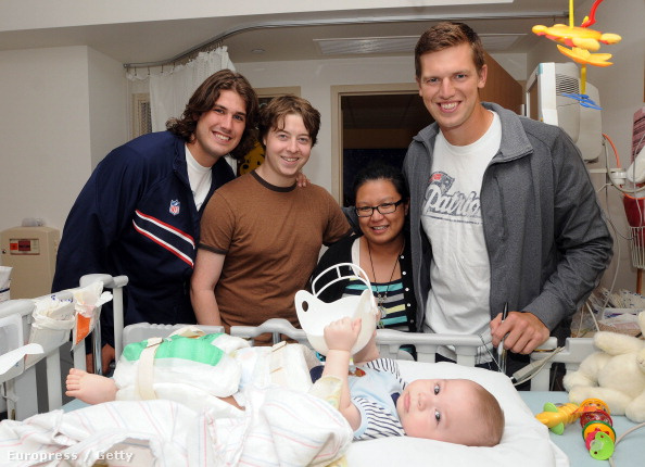 Még a Patriots játékosaként egy bostoni kórházban