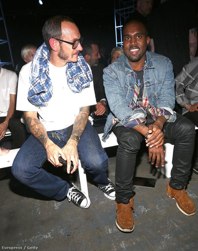 Kanye West egyik kedvenc divatfotósunkkal, Terry Richardsonnal az Alexander Wang show első sorában.