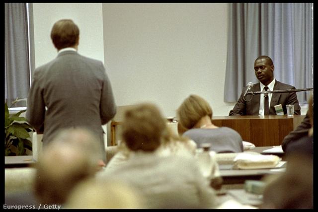 Johnson 1990-ben tett vallomást a Dubin-bizottság előtt
