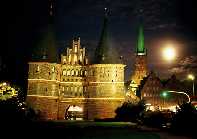 Luebeck Holstentor