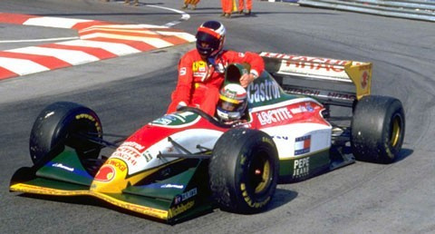 Gerhard Berger, a potyázók királya, itt épp Zanardival