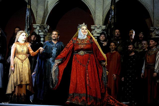 Marton Éva Gertrudis szerepében, Erkel Ferenc Bánk bán című operájában