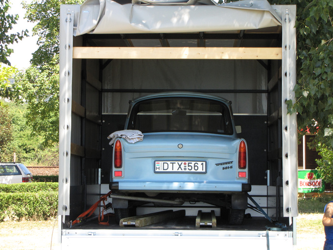 This Trabant is really a cherished one. It arrived on the bed of a brand new Mercedes Vito transporter