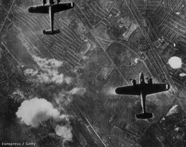 DO-217-esek London felett
