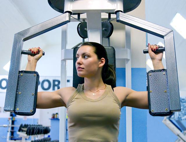 stockfresh 136144 girl-in-fitness-club sizeM