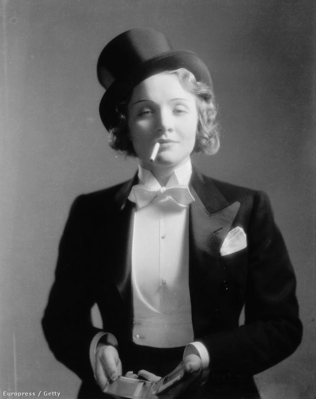 A harmincas évek elején Garbót követve Marlene Dietrich a Marokkó című filmben  szmokingban flörtölt egyszerre két férfival is, majd elcsattant az akkoriban óriási botrányt kavaró leszbikus csók jelenet is.