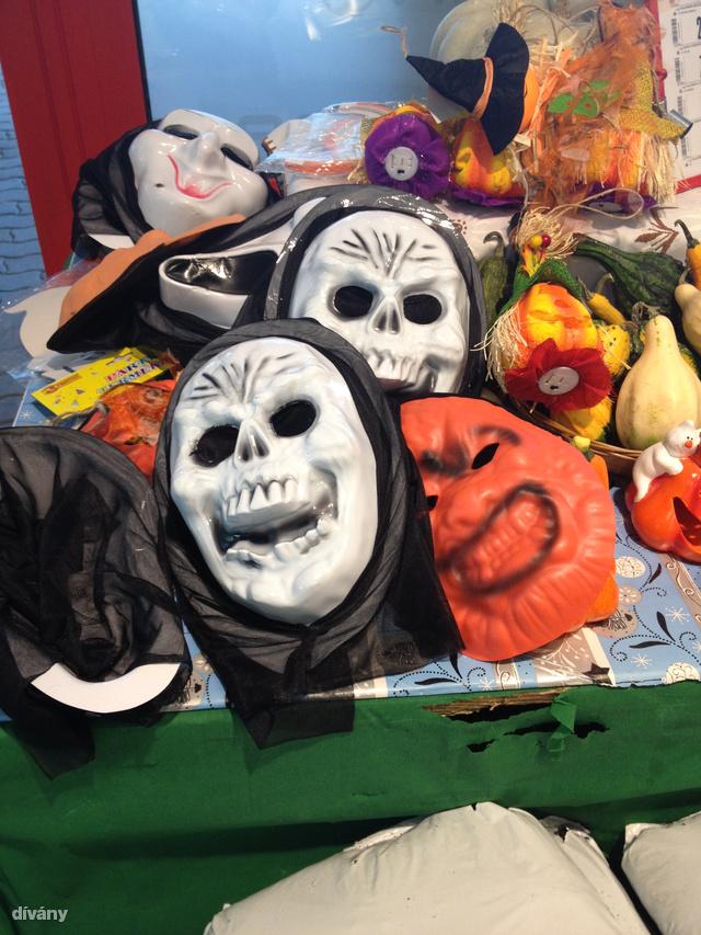 vasaroljon maszkot