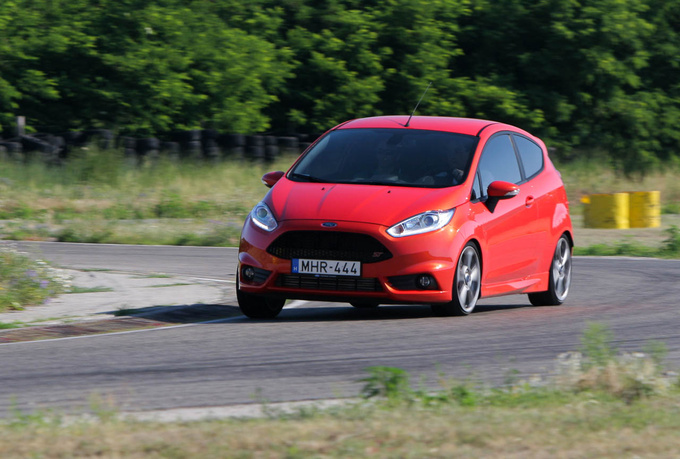 The Fiesta was all over the place in turns, a true token of driving enjoyment