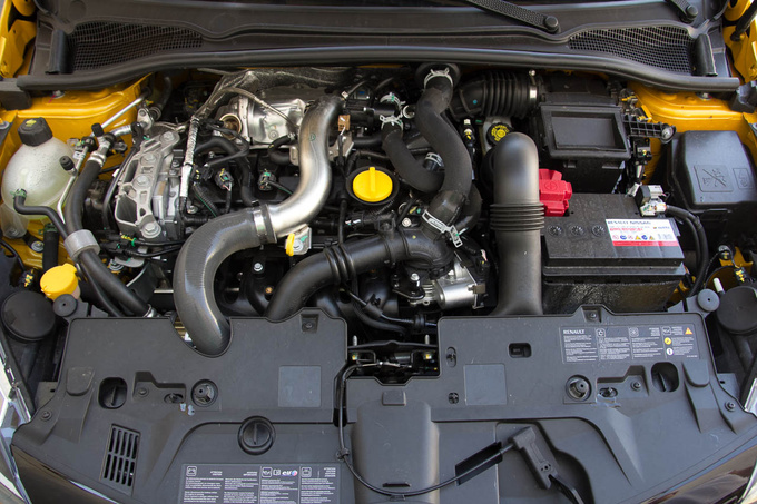 Naked technology under the hood of the Renault