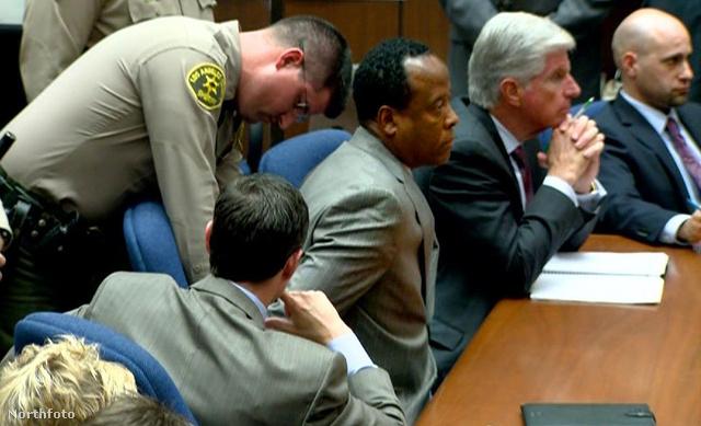Murray az egyik tárgyalásán.