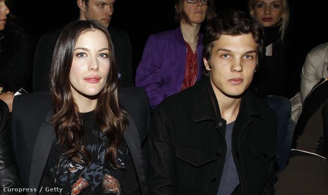 Liv Tyler és Theo Wenner két és fél évvel ezelőtt