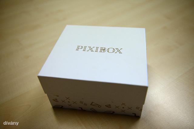 És itt a harmadik versenyző, a születésnapos Pixibox.