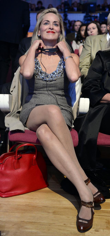 Sharon Stone a Nobel-békedíjasok csúcstalálkozóján, Varsóban (2013)