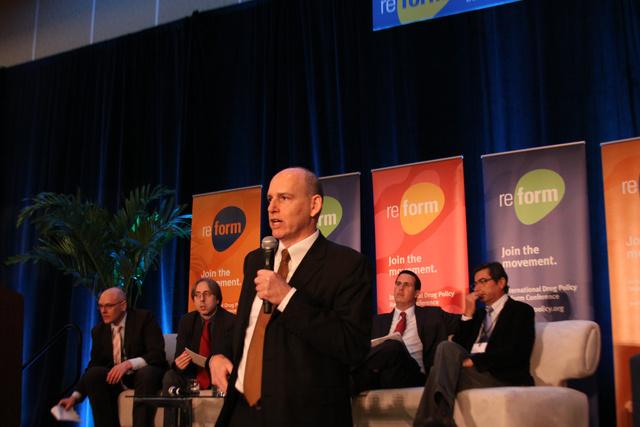 Ethan Nadelmann, a Drug Policy Alliance elnöke a Reform Konferencia plenáris ülésén