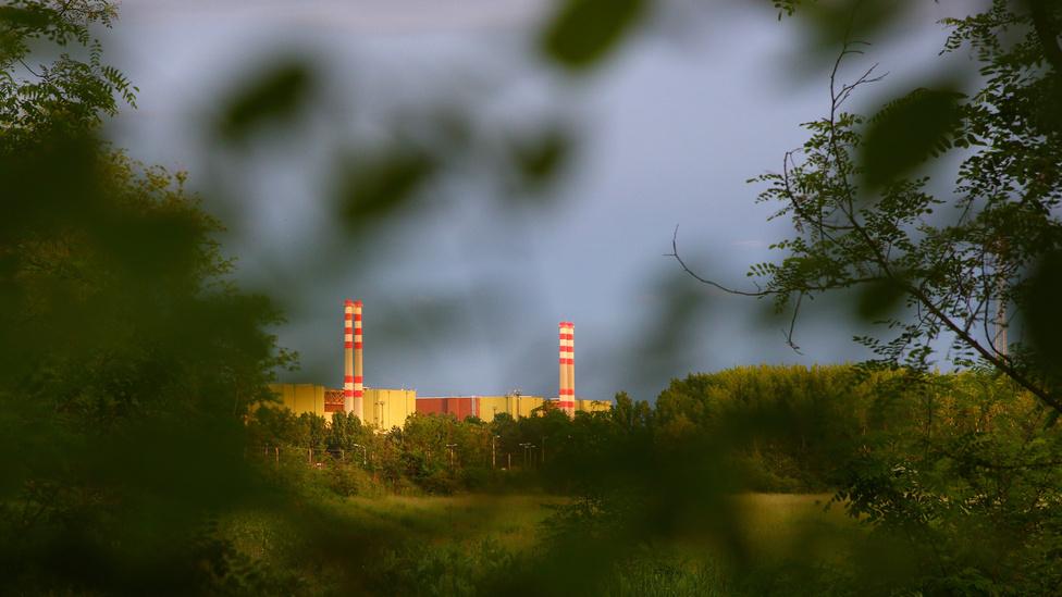 Bár Csernobil óta létező és Fukusima óta frissen felerősödött félelmek ellenére úgy tűnik, egyelőre csak az atomenergia képes biztosítani a széndioxid-kibocsátás csökkentésével kapcsolatos globális terveket.