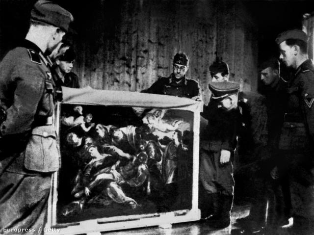 Német katonák egy Tintoretto-festményt távolítanak el egy francia múzeum faláról