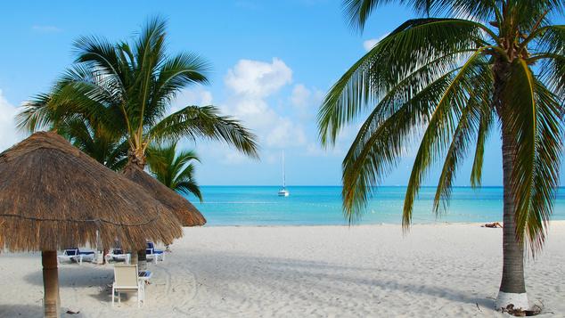 Mexikó - Gyönyörű karibi strandok, fantasztikus bulik és kézműves piacok és maja templomok várják a turistákat itt. A Lonely Planet szerzői szerint azért érdemes 2014-ben ide látogatni, mert egyre többen fogják felfedezni maguknak az országot, az árak pedig hamarosan az egekbe szöknek.