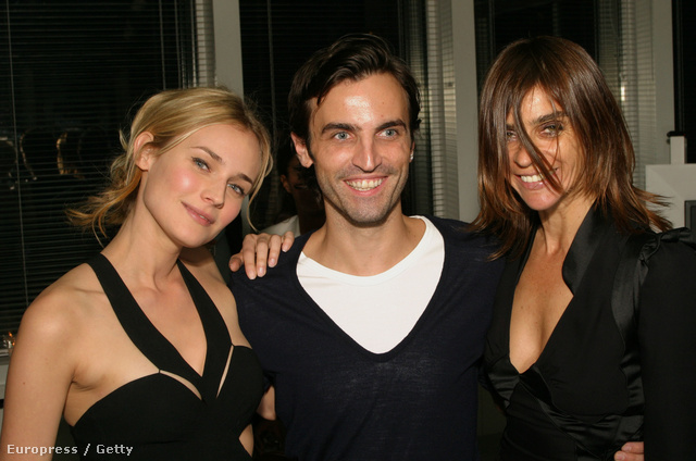 Diane Kruger, Nicolas Ghesquiere ésCarine Roitfeld 2004-ben.