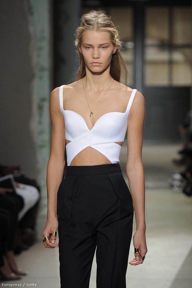 2013 tavasz-nyár: ennek a szettnek az olcsóbbik hasonmásai kaphatók a Zarában és a H&M-ben: amit Nicolas Ghesquière tervezett, abból szinte mindig nagy siker lett.