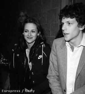 Kristen Stewart és Jesse Eisenberg