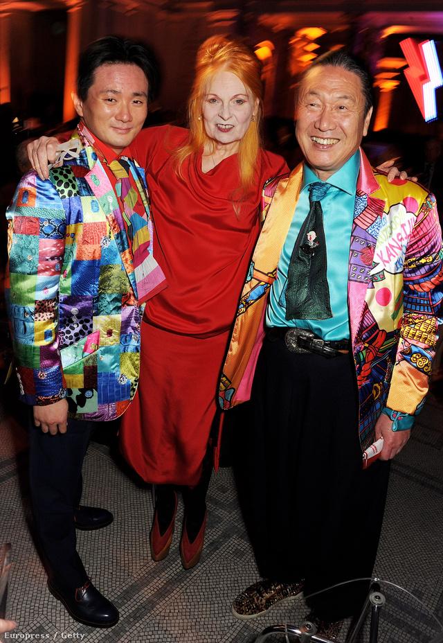 Vivienne Westwood, Kansai Yamamoto és Taro Otsuka Dame a David Bowie kiállításon.