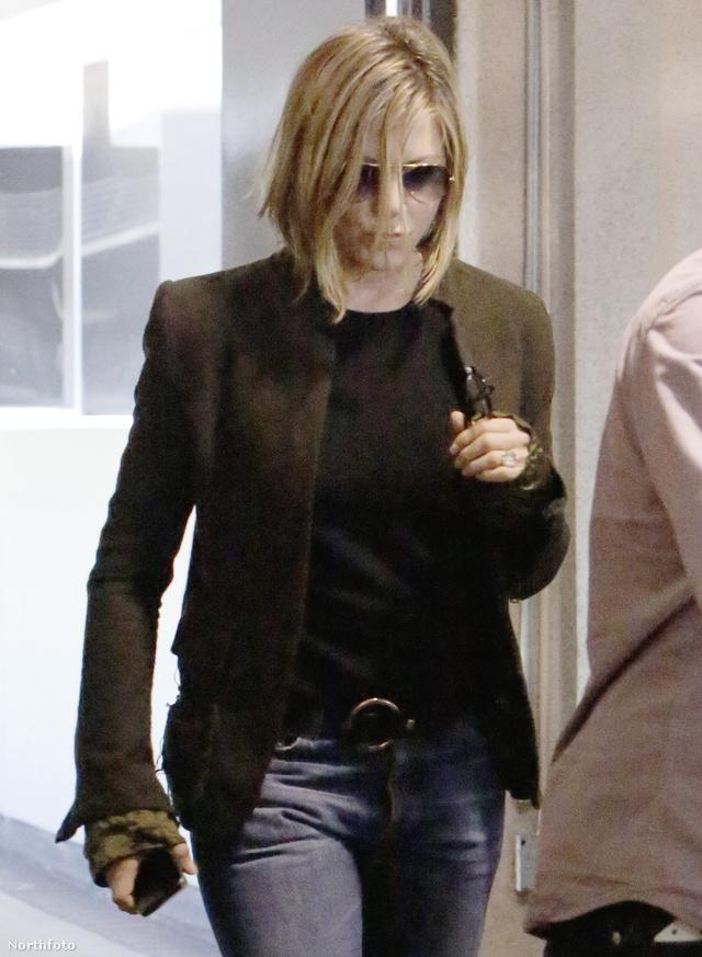 """"""" Nem egy szerep miatt vágattam le a hajamat, egyszerűen csak nem reagált igazán jól a hajam erre a brazilnak nevezett eljárásra. """" – mondta a színésznő"""