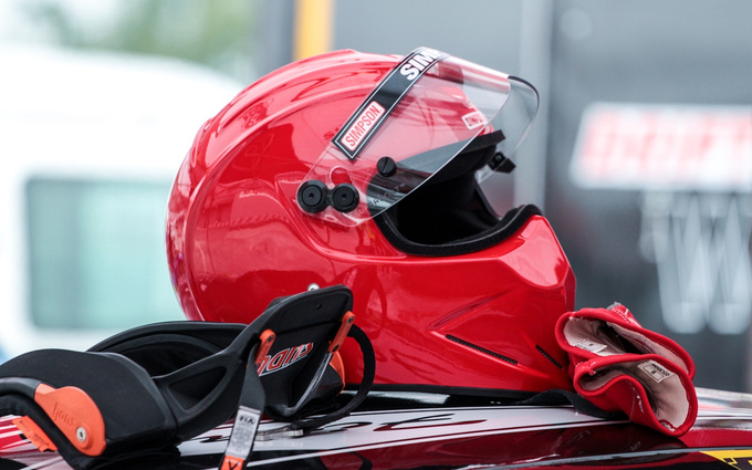 The Simpson helmet has become one of the essential, iconic objects of cool race drivers a long time ago. It oozes strength, toughness, and aggressiveness helping to deter the rivals. The drifters use it for the same reason.
