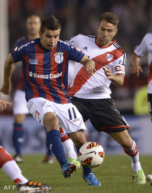 Angel Correa (b)