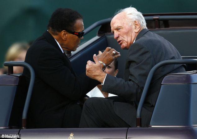 Ali és Cooper 2009-ben