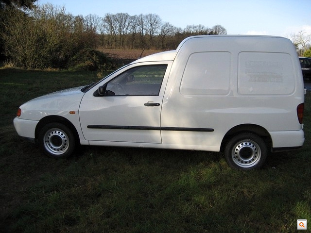 Volkswagen Caddy White