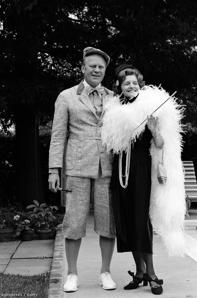 Betty Ford az ismert nők közül elsőként aktívan szerepelt a médiában illetve részt vett a politikai és társadalmi életben.