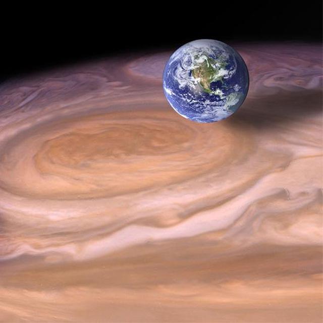 A Földnél 2-3-szor nagyobb Nagy Vörös Folt a Jupiter légkörének hosszú évszázadok óta megmagyarázhatatlanul stabil képződménye. Egy új modell eredményeként azonban egy lépéssel közelebb kerülhetünk ennek a rejtélynek a megoldásához is.