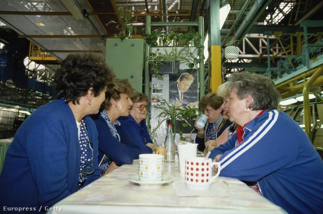 1990: Ebédszünet a Skoda Mlada Moleslav-i üzemében