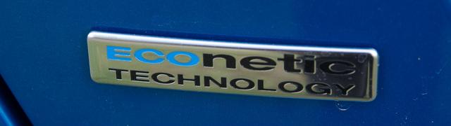 Egy eco-val kezdődő felirat minden autóra kell mostanság