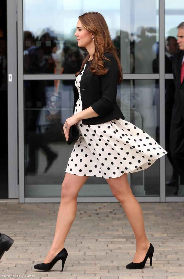 A pöttyös Topshop ruha nem egyszer cserben hagyta a hercegnét.