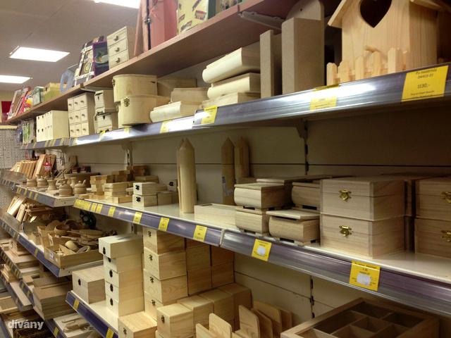 Fa dobozokból is elég nagy a kínálat, 1000 forintból már egészen pofás darabot is talál.