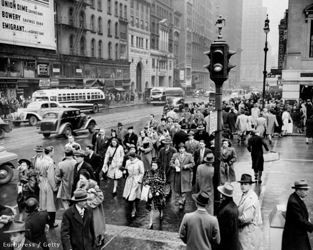 Még New Yorkban sem rítt ki senki a tömegből.