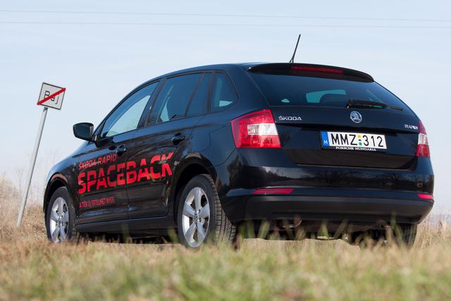 Kicsit kombiszerűnek tűnhet, pedig valójában egy sima, csapott hátú kocsi a Spaceback