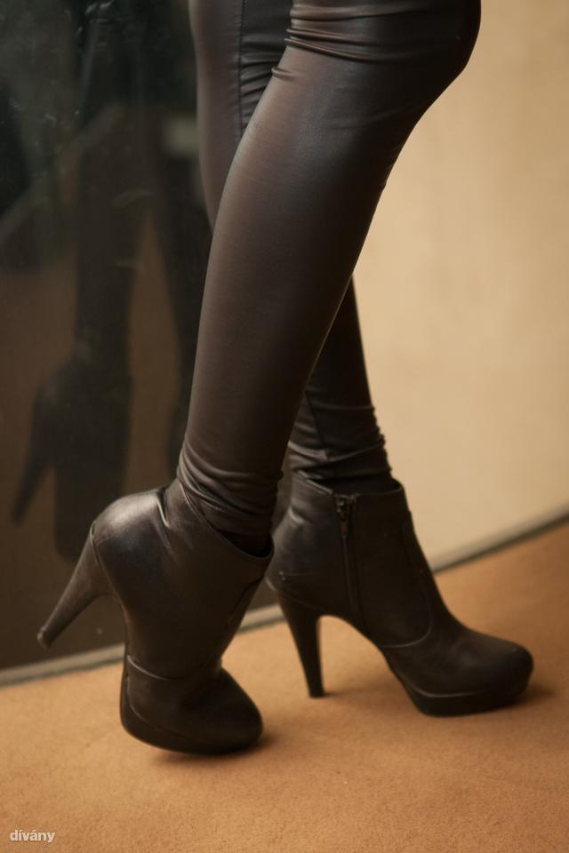 Tally Weijl nadrág, Zara cipő