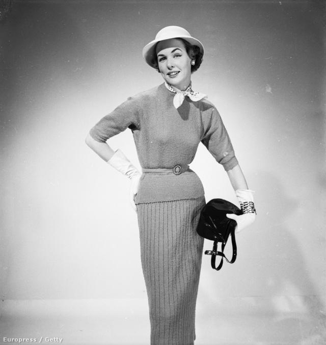 A francia nők sikkjének (egyik) titka a nyakba kötött kendő volt.