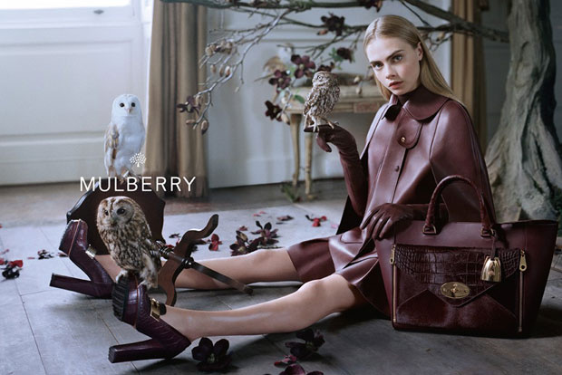 Cara Delevingne a Mulberry reklámban.