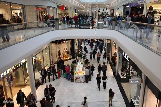 Dívány - lájfhekk - Megéri elmenni a Shopping City Südig b1a2c39b2ab
