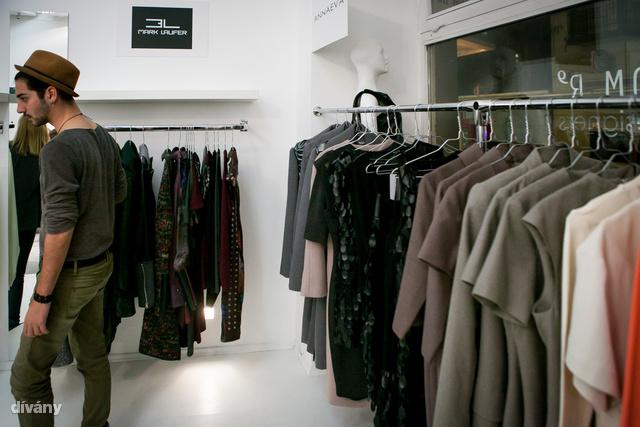 Hazai tervezők kollekcióit lehet megvásárolni a Ráday utcai üzletben.